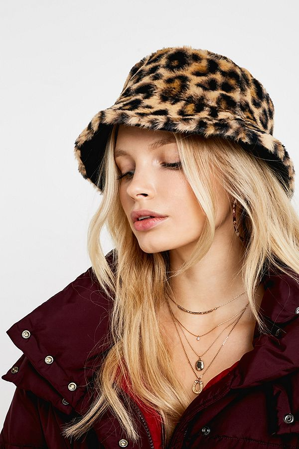 ad4eab45 UO Reversible Leopard Print Faux Fur Bucket Hat | Urban Outfitters UK
