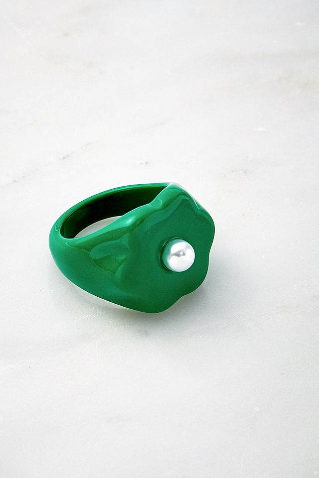 Daisy Pearl Resin Ring in green