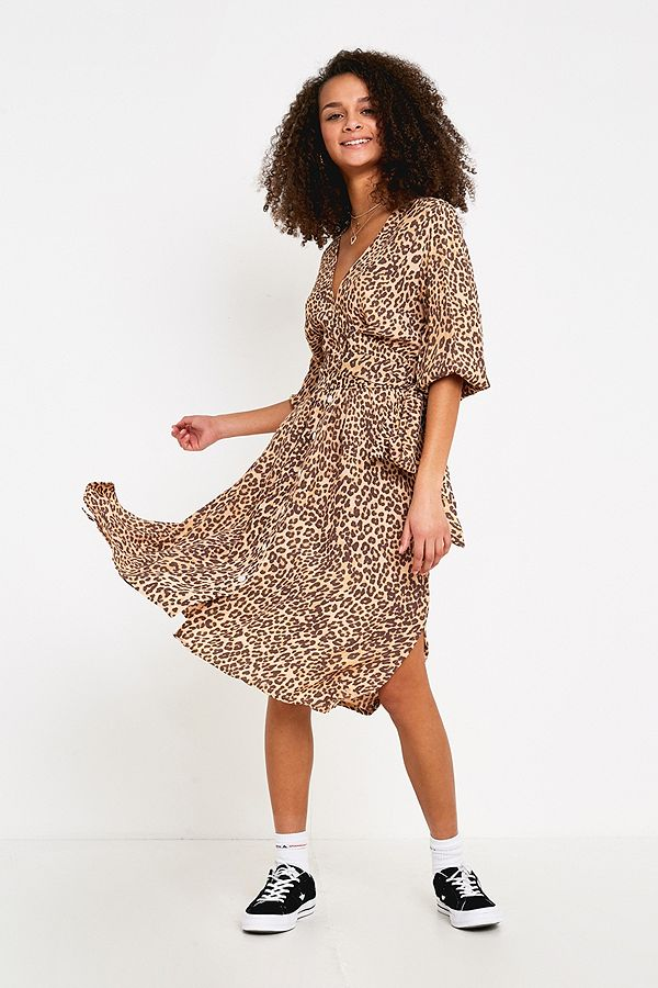 80abb18358 Faithfull The Brand Chloe Leopard Print Midi Dress