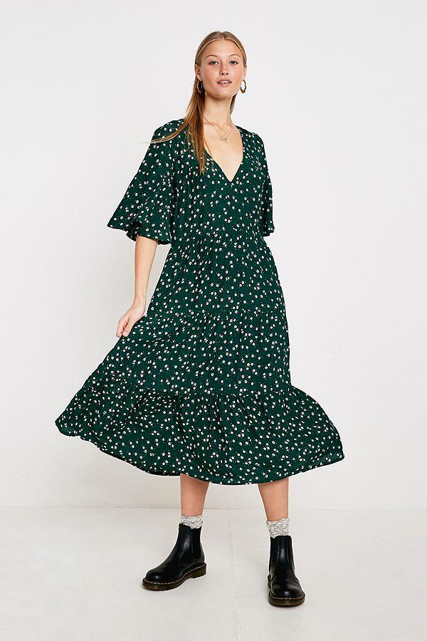 9f1f9e3e6b86 Slide View  1  Faithfull The Brand Melia Green Floral Midi Dress