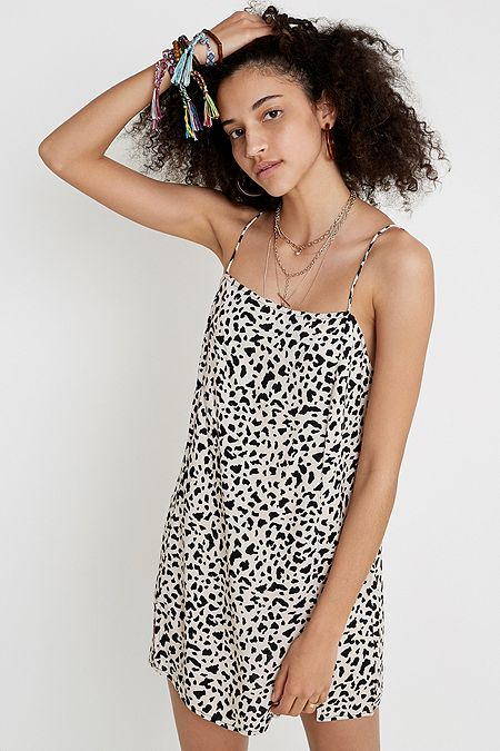 25295b941c1f2 Dresses   Party Dresses & Jumpsuits   Urban Outfitters UK