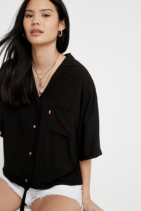 4dfc3b81 Levi's - Tops for Women | T-Shirts, Jumpers & Hoodies | Urban ...