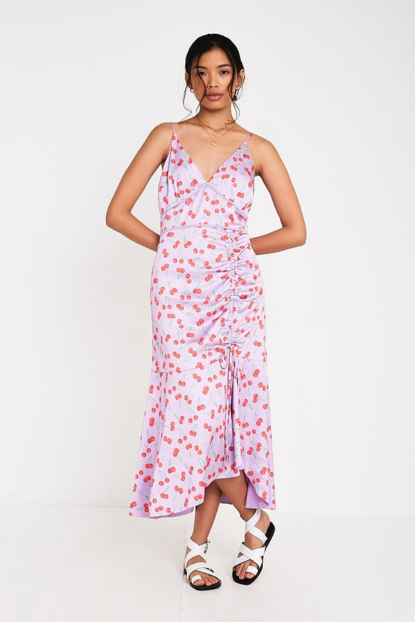 f443b2295c88 Finders Keepers Valentina Midi Dress | Urban Outfitters UK