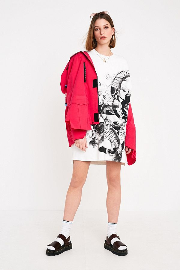 372cd761 Angel Chen Fish Print Oversized T-Shirt | Urban Outfitters UK
