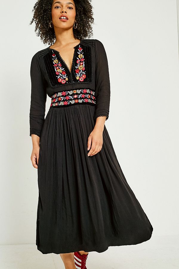 df2ddce7e6a2 Free People Flora Embroidered Floral Midi Dress | Urban Outfitters UK