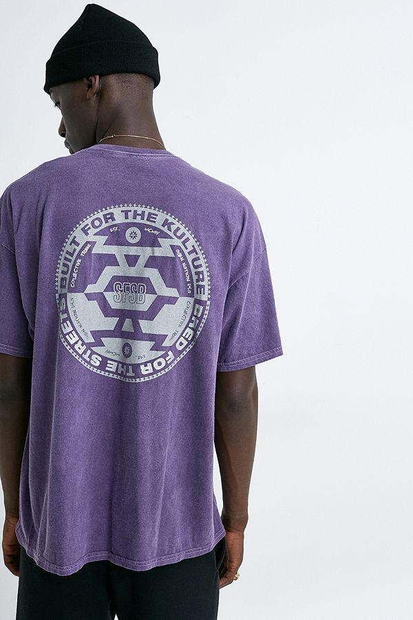 """Urban Outfitters– Reflektierendes T Shirt""""Systems"""" In Lila by Urban Outfitters Shoppen"""