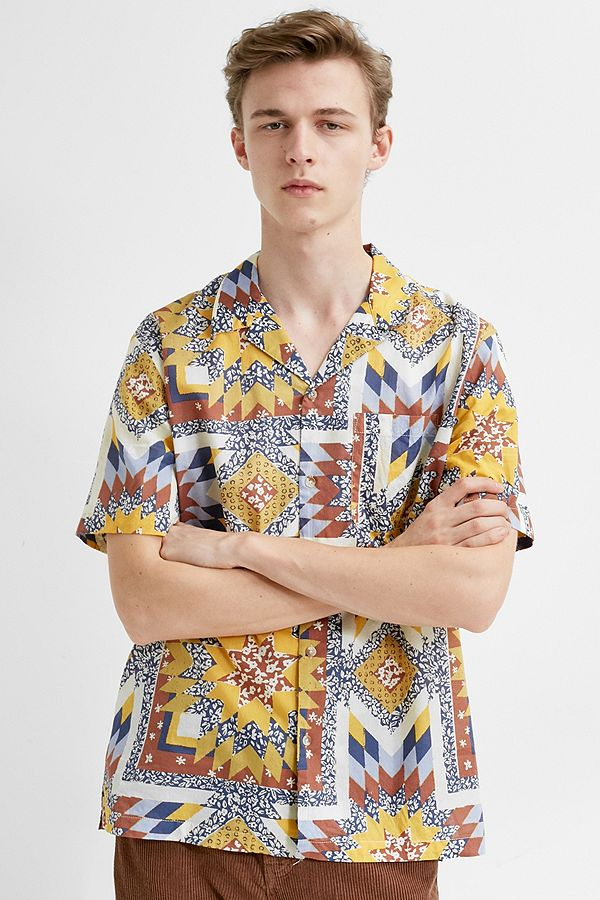Uo Ditsy Floral Lightweight Cotton Short Sleeve Shirt by Urban Outfitters