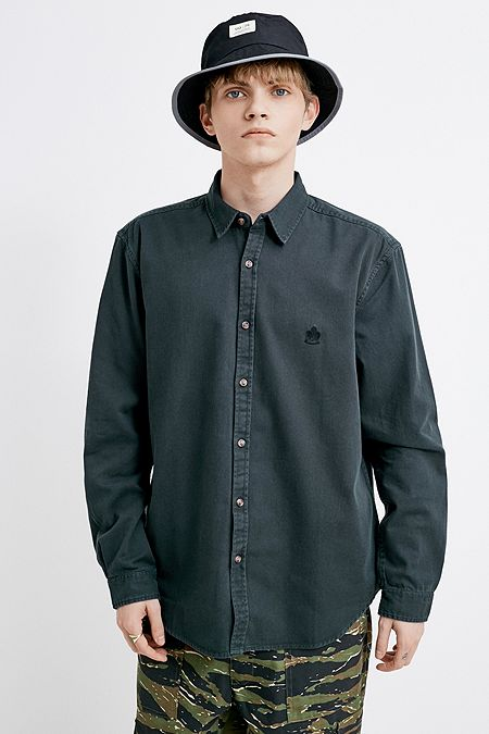 5d9c591e794 UO Washed Black Solid Twill Shirt