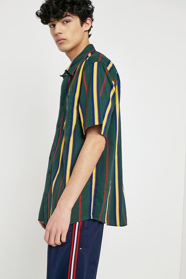 d7ce15a5ae2 UO '90s Vertical Stripe Short-Sleeve Shirt