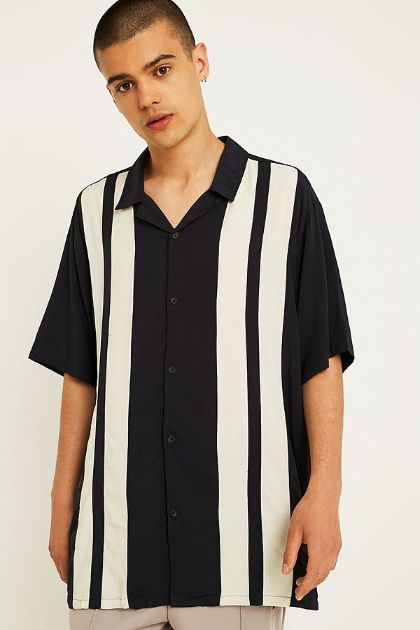 011921833 UO Short-Sleeve Striped Bowling Shirt | Urban Outfitters UK