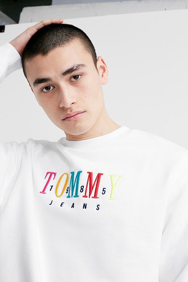 f337eef8d39 Slide View  1  Tommy Jeans 85 White Crew Neck Sweatshirt