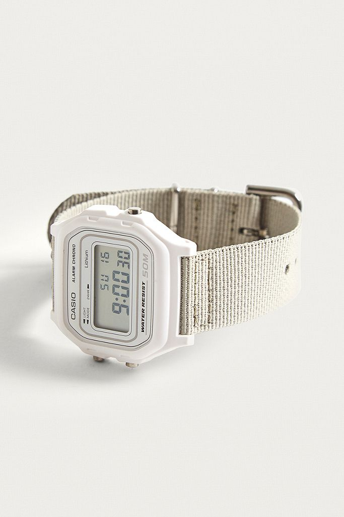 Casio Montre numérique classique avec bracelet en tissu  PSQKY