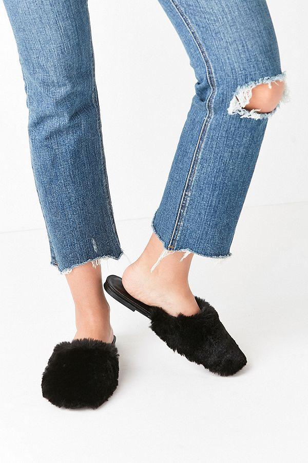 ad634a708b86 UO Faux Fur Black Mule Slides