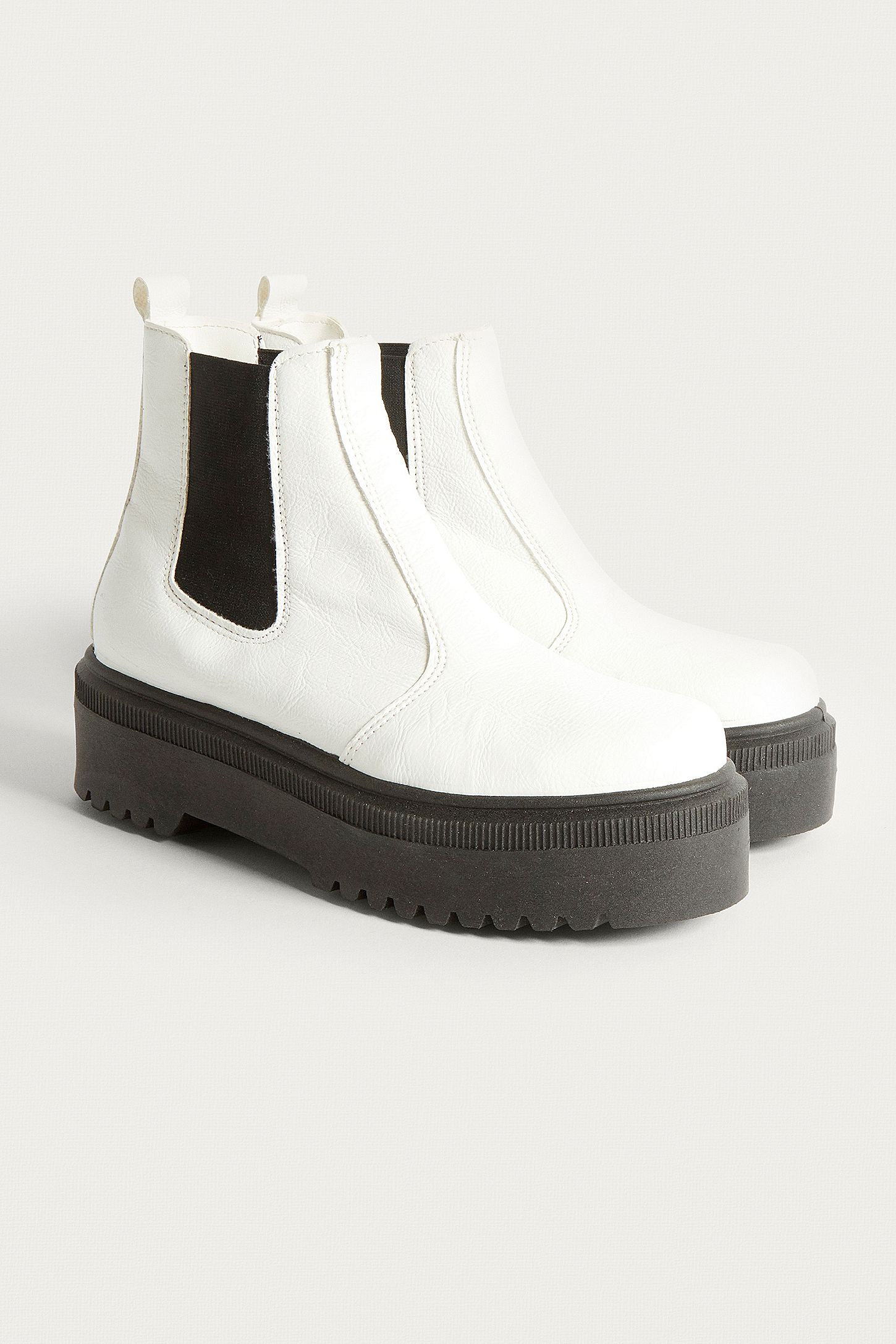 bd5e2106754 UO Brody White Faux Leather Platform Chelsea Boots