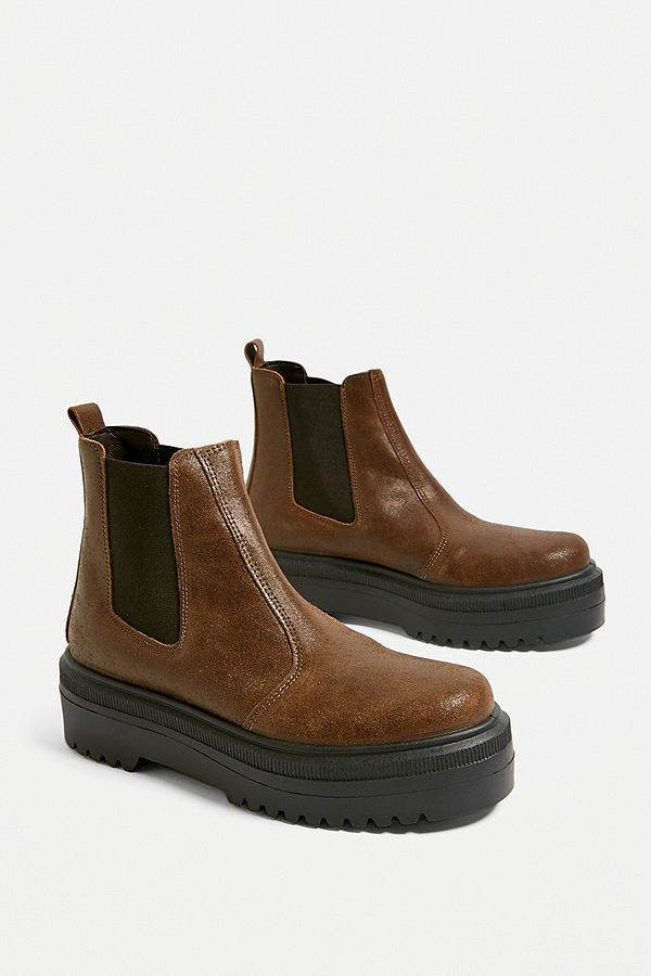 """a4a1509007bac Urban Outfitters – Chelsea-Stiefel """"Brody"""" aus Wildleder in Braun"""