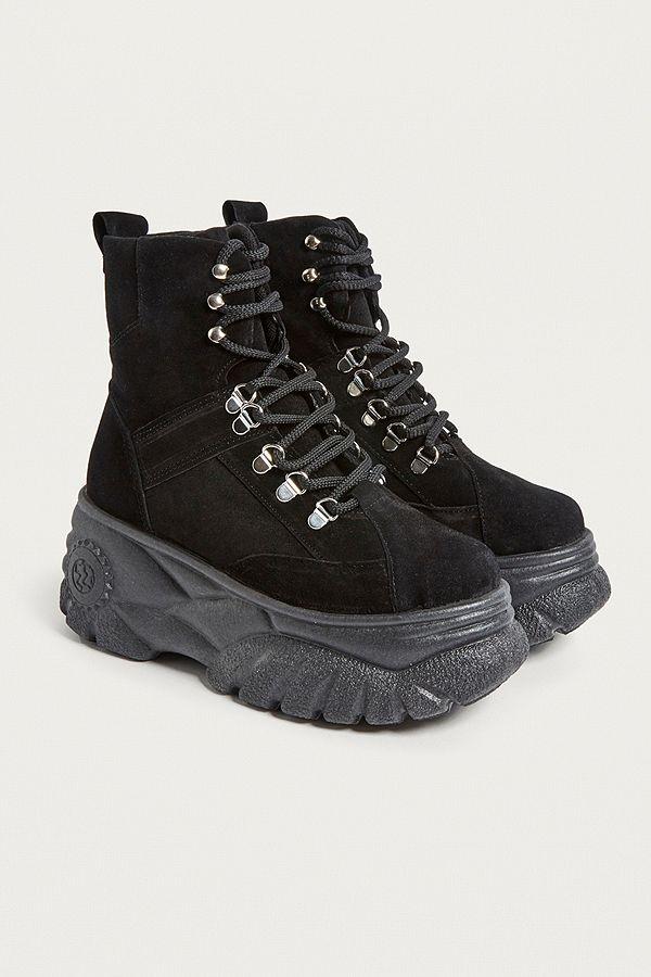 efa11b5560c573 UO Tia Chunky Suede Platform Boots