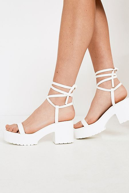 36d34c258475 UO Claire Strappy Sandals