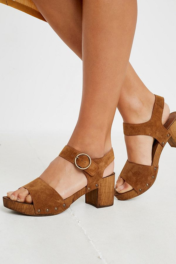 d7dca7fe34050 UO Alana Wood + Leather Sandals