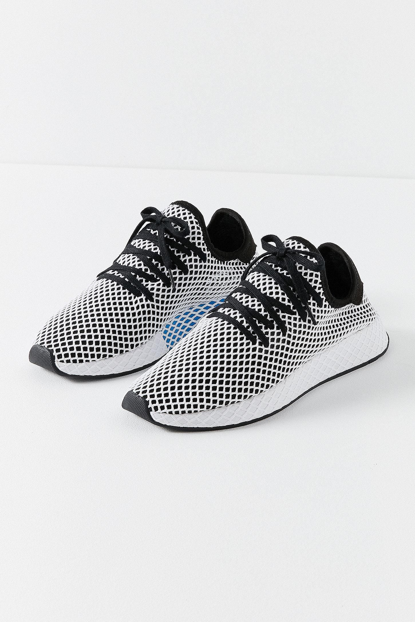 23b8616e1 adidas Originals Deerupt Black and White Running Trainers