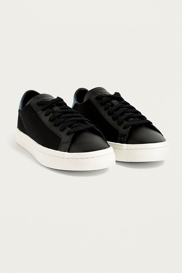 db684af83882 adidas Originals Court Vantage Black Trainers