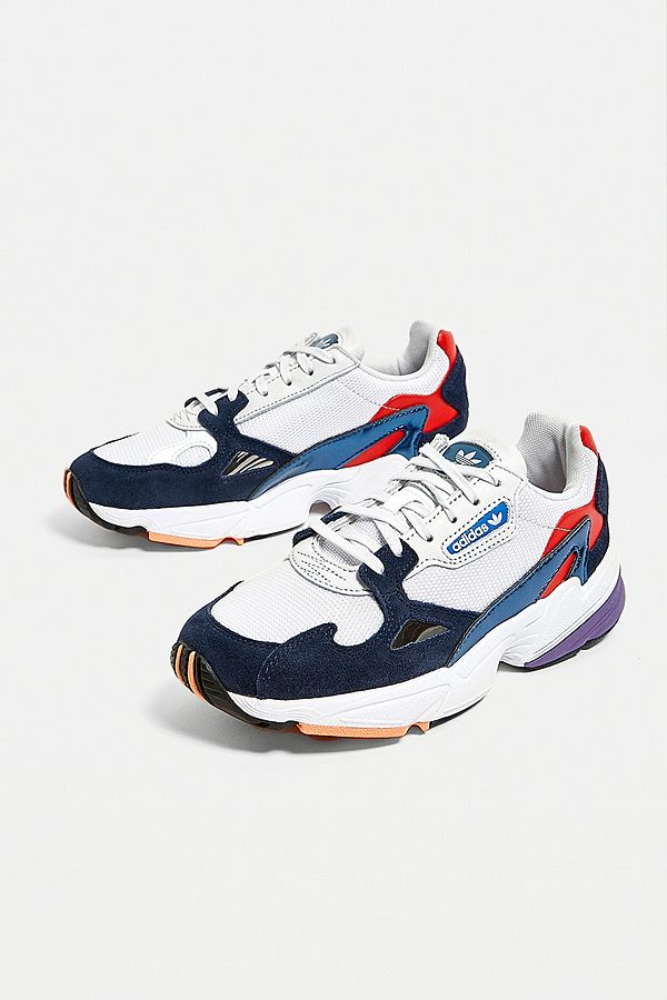 adidas Originals Baskets Falcon rouge et bleues
