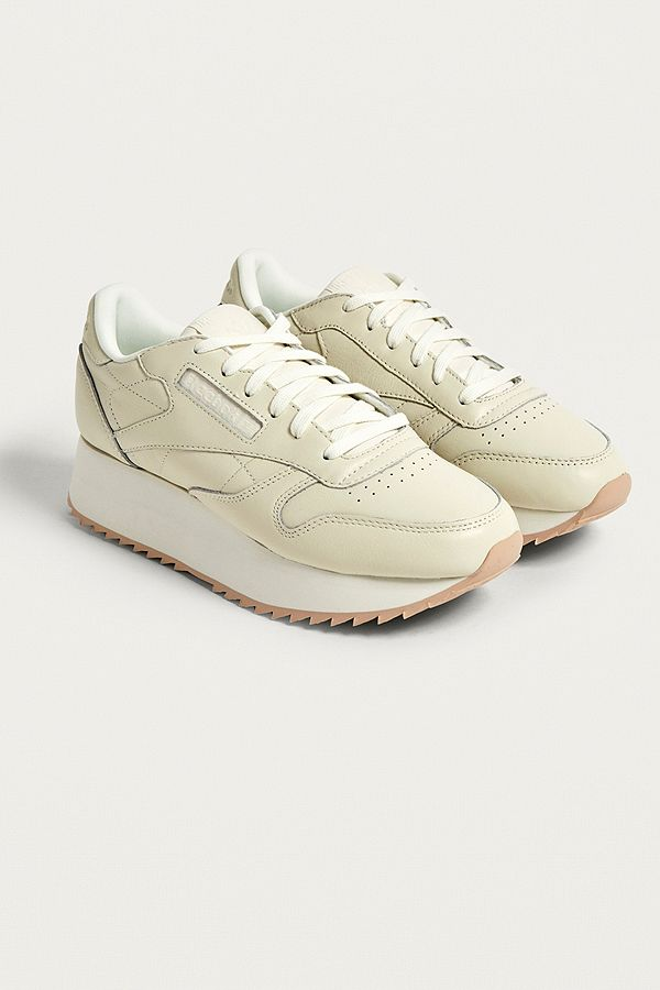 fa2d42d8b1cbb Slide View  1  Reebok Classic Leather Double Trainers