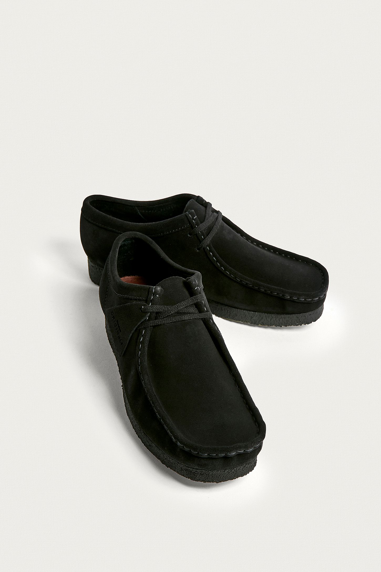 """best sneakers cb350 8a108 Clarks – Schuhe """"Wallabee"""" aus Wildleder in Schwarz"""