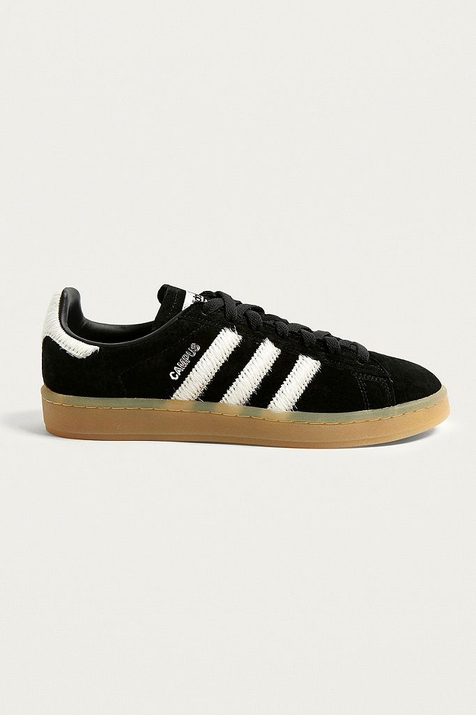 panel Frente a ti Mucho  adidas Originals Campus Black Suede Gum Sole Trainers   Urban Outfitters UK