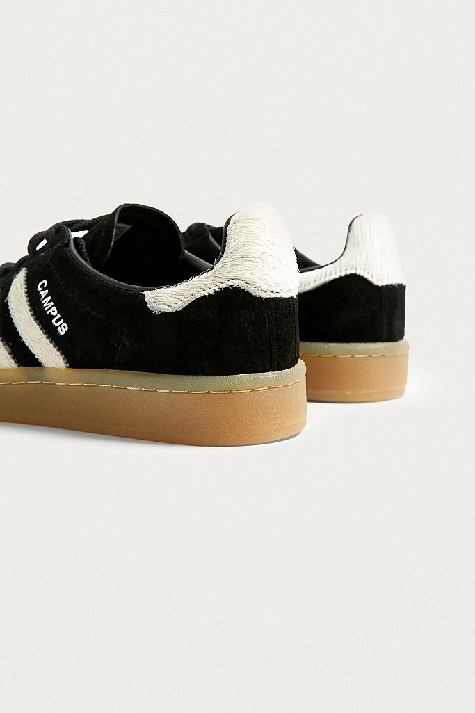 panel Frente a ti Mucho  adidas Originals Campus Black Suede Gum Sole Trainers | Urban Outfitters UK