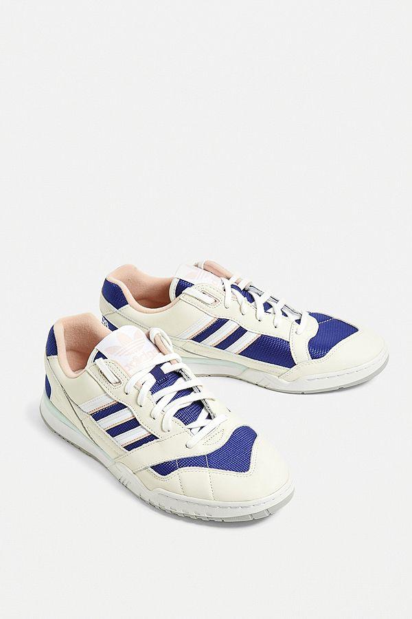 "adidas – Sneaker ""AR"" in Elfenbein"