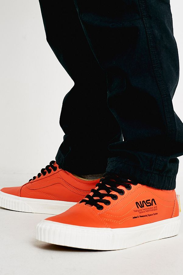 e8c312ff8307c8 Vans Space Voyager Old Skool NASA Orange Trainers