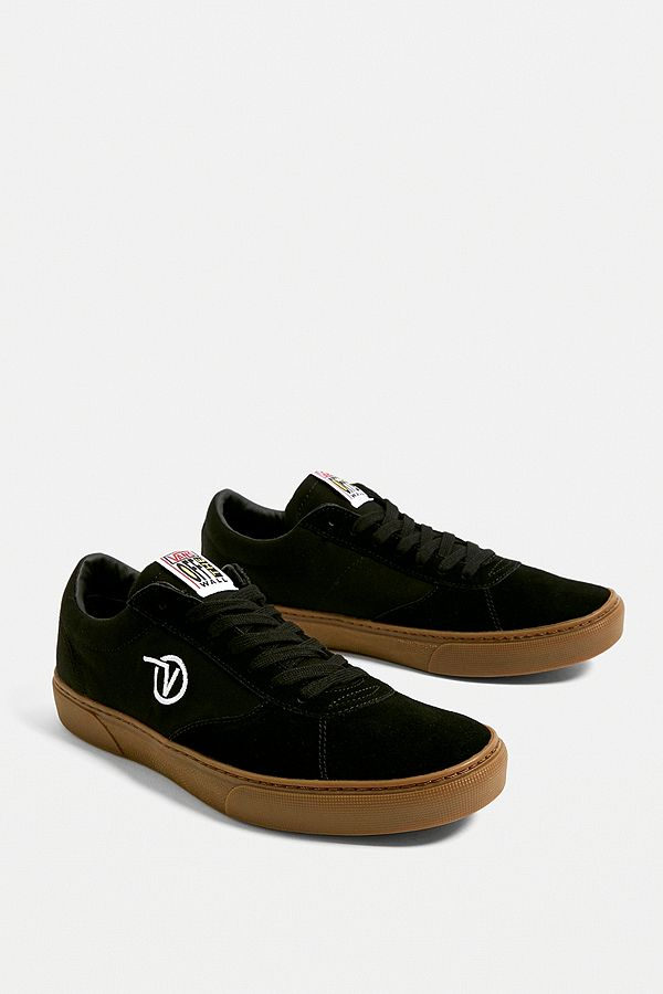 7db4d80b43 Slide View  1  Vans Paradoxx Black and Gum Trainers