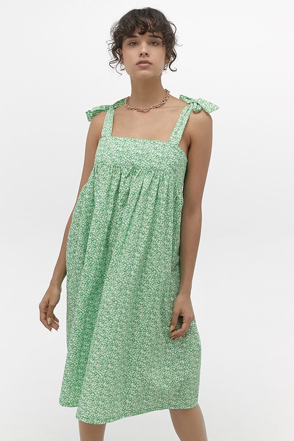 Slide View: 1: Urban Renewal Inspired By Vintage Darcey Green Floral Midi Dress