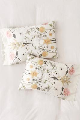 Daniella Floral Pillowcase Set by Urban Outfitters