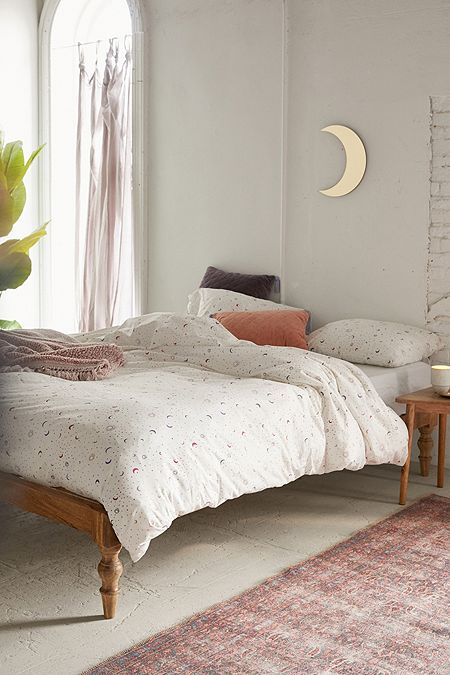 84057aaaa488 Bedding | Bed Sets, Sheets, Duvets & Tapestry | Urban Outfitters UK