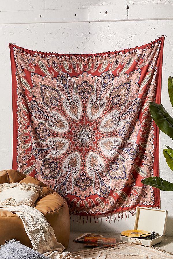 Slide View: 1: Paisley Scarf Print Fringe Tapestry