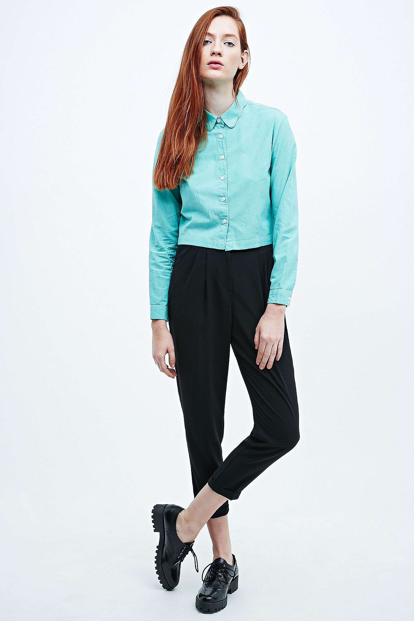 0056a4e6bc3f3 Cooperative by Urban Outfitters Cropped Oxford Shirt in Green ...