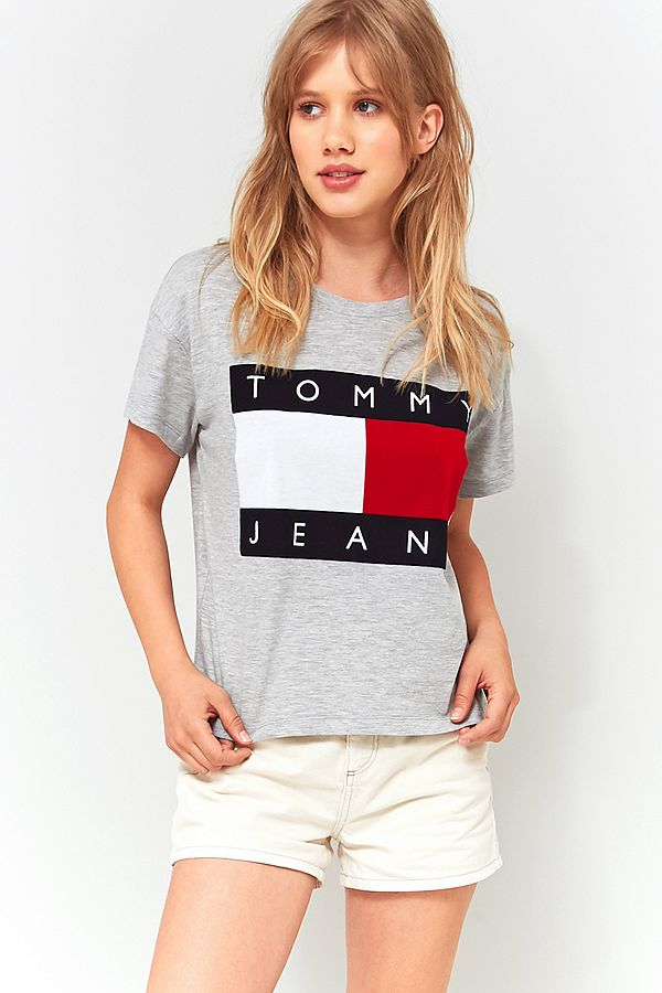 6ed9435b Tommy Hilfiger '90s Grey Logo T-Shirt | Urban Outfitters UK