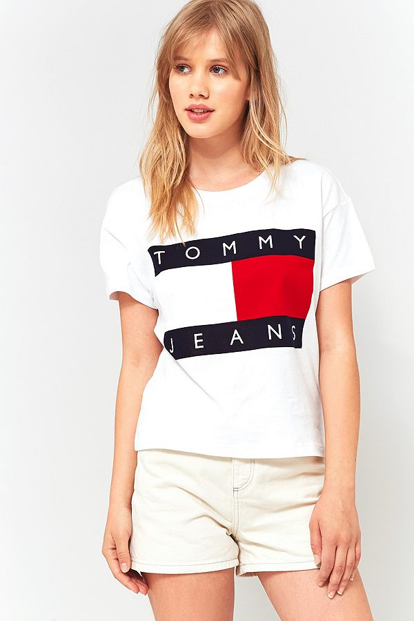 ff78969a Tommy Hilfiger '90s White Logo T-Shirt | Urban Outfitters UK