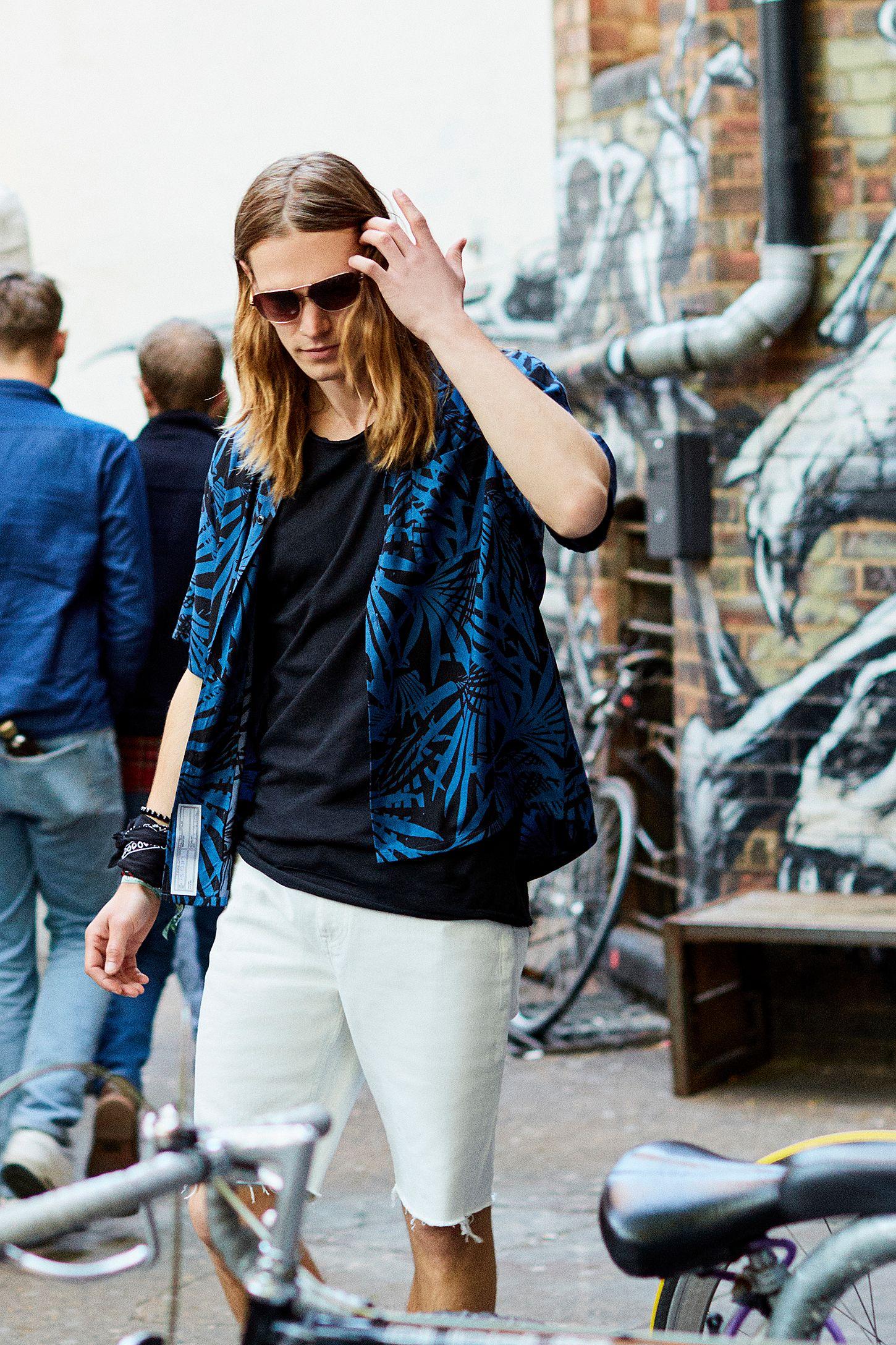 dfa6a062 Loom Palm Blue Short Sleeve Shirt | Urban Outfitters UK