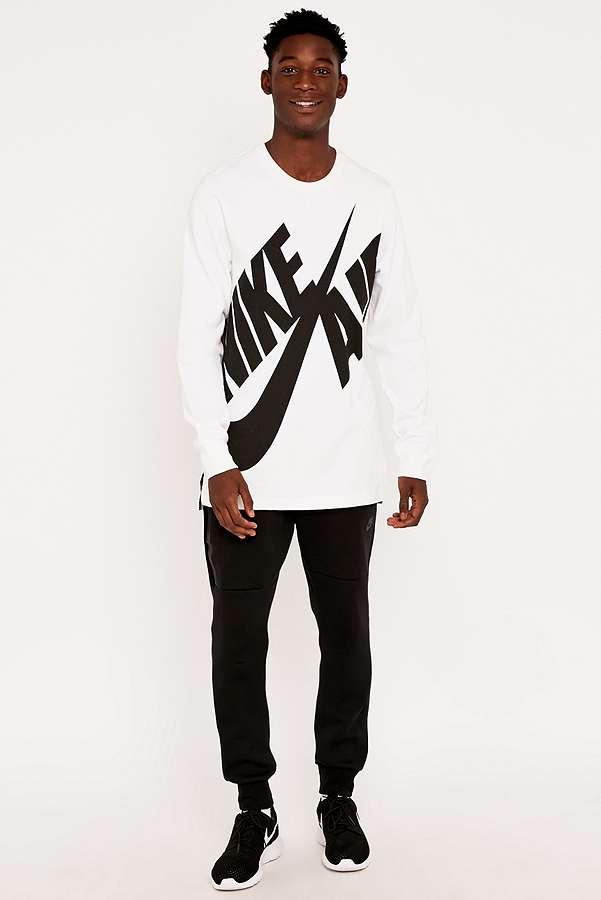 91e02ad392665 Nike Air - T-shirt Pivot manches longues   Urban Outfitters FR
