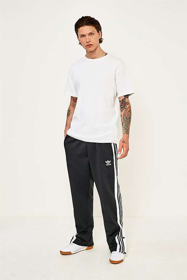 jogging adidas urban outfitters