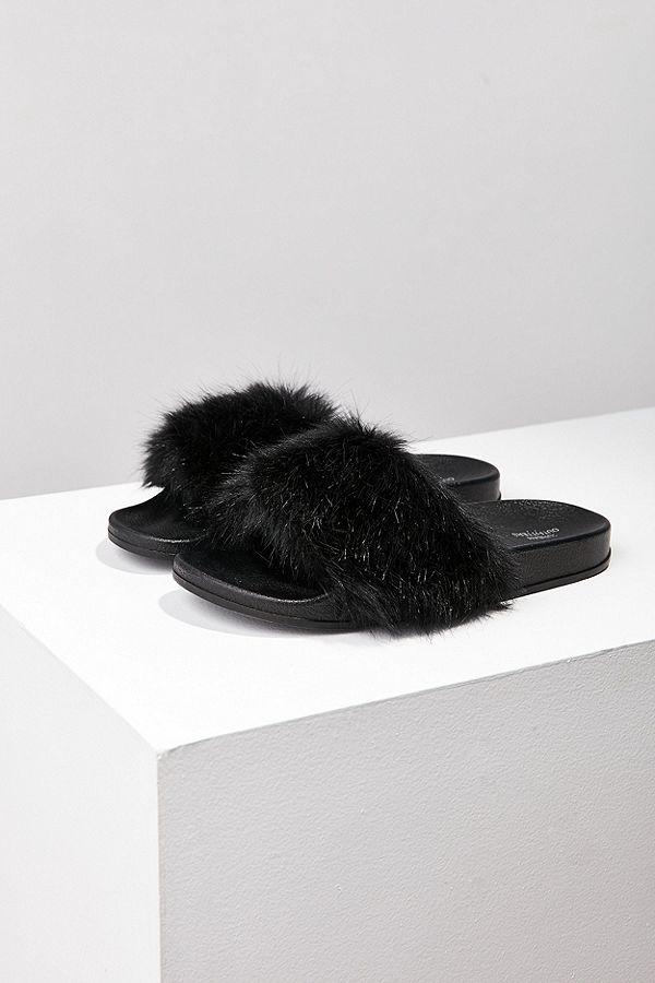 8b524a9c9d32 Lola Faux Fur Pool Slides
