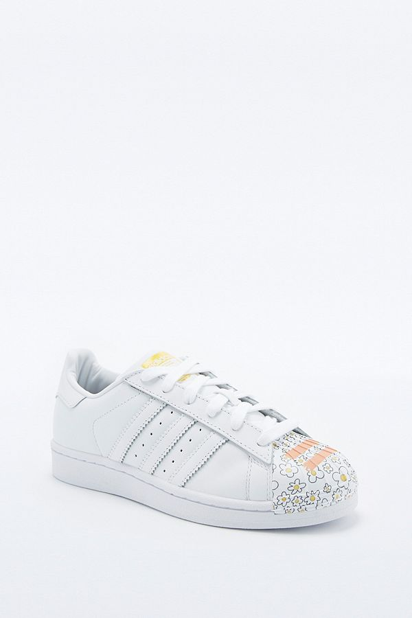 abe1a1817dbe Slide View  1  adidas Originals Pharrell Supershell Superstar White Trainers