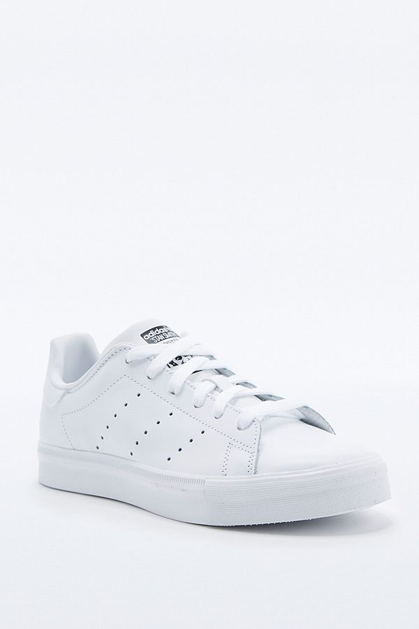official photos 6bf36 0d741 adidas Originals Stan Smith All White Trainers