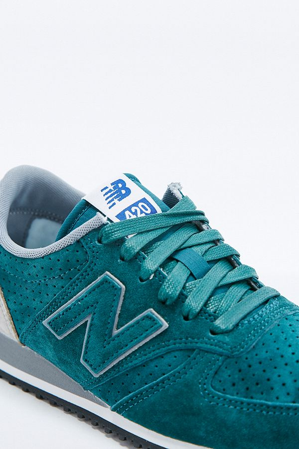 179ab8ac7b12a New Balance 420 Runner Green Trainers | Urban Outfitters UK