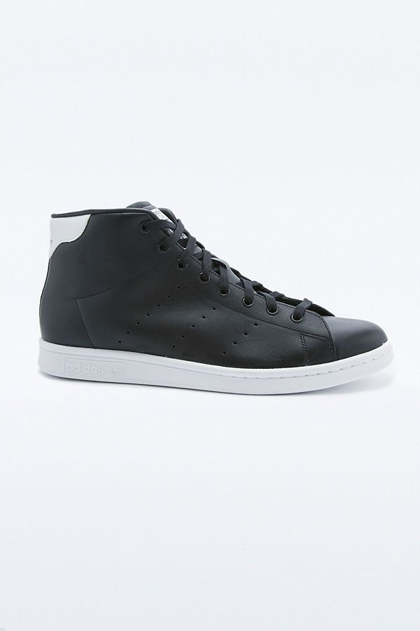 separation shoes 1399f 5bf88 adidas Originals Stan Smith Mid Black Trainers
