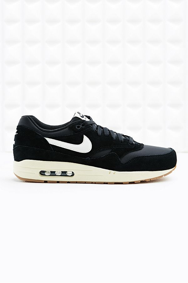 Nike Air Max 1 Essential Suede Trainers in Green | Urban