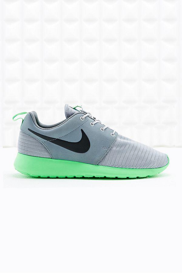 "finest selection amazing price 100% high quality Nike – Sneaker ""Roshe Run"" in Grau und Limettengrün | Urban ..."