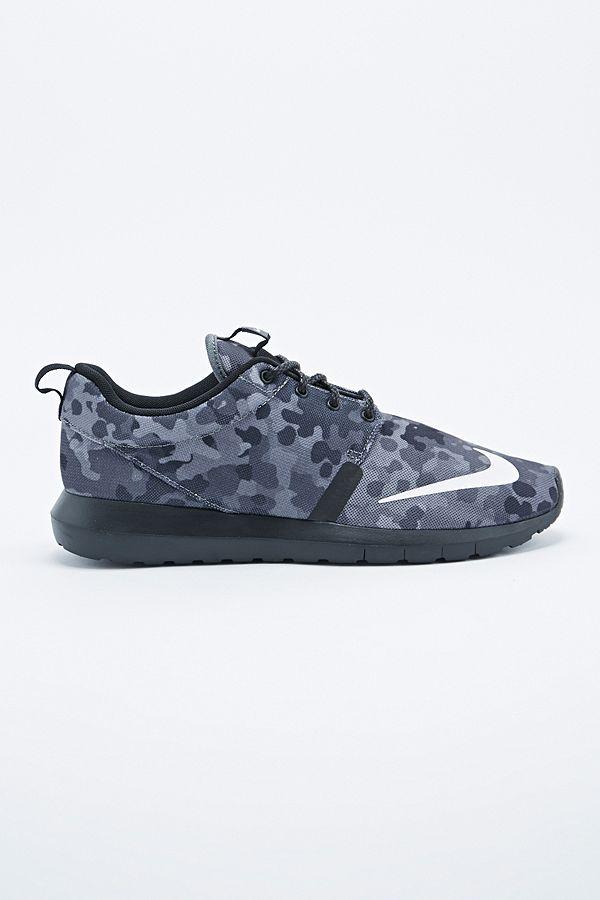 new style eebbe 74736 Slide View  1  Nike Roshe Run Trainers in Grey Camo